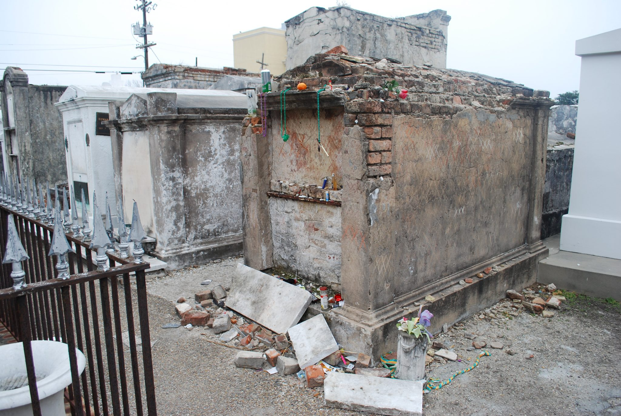 Marie Laveau Tomb | Swedes in the States