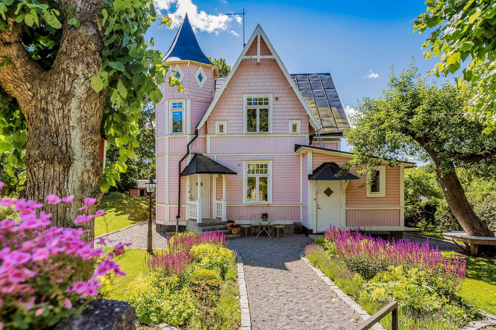 Home Design Pink Dream House For Sale In Sweden