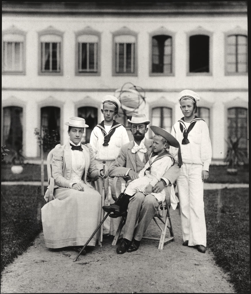 The Swedish Royal Family at the time. Gustaf V and Queen Victoria together with their children, Prince Gustaf Adolf, Prince Wilhelm, and Prince Erik. Around 1890. Image courtesy of The Swedish Royal Court.